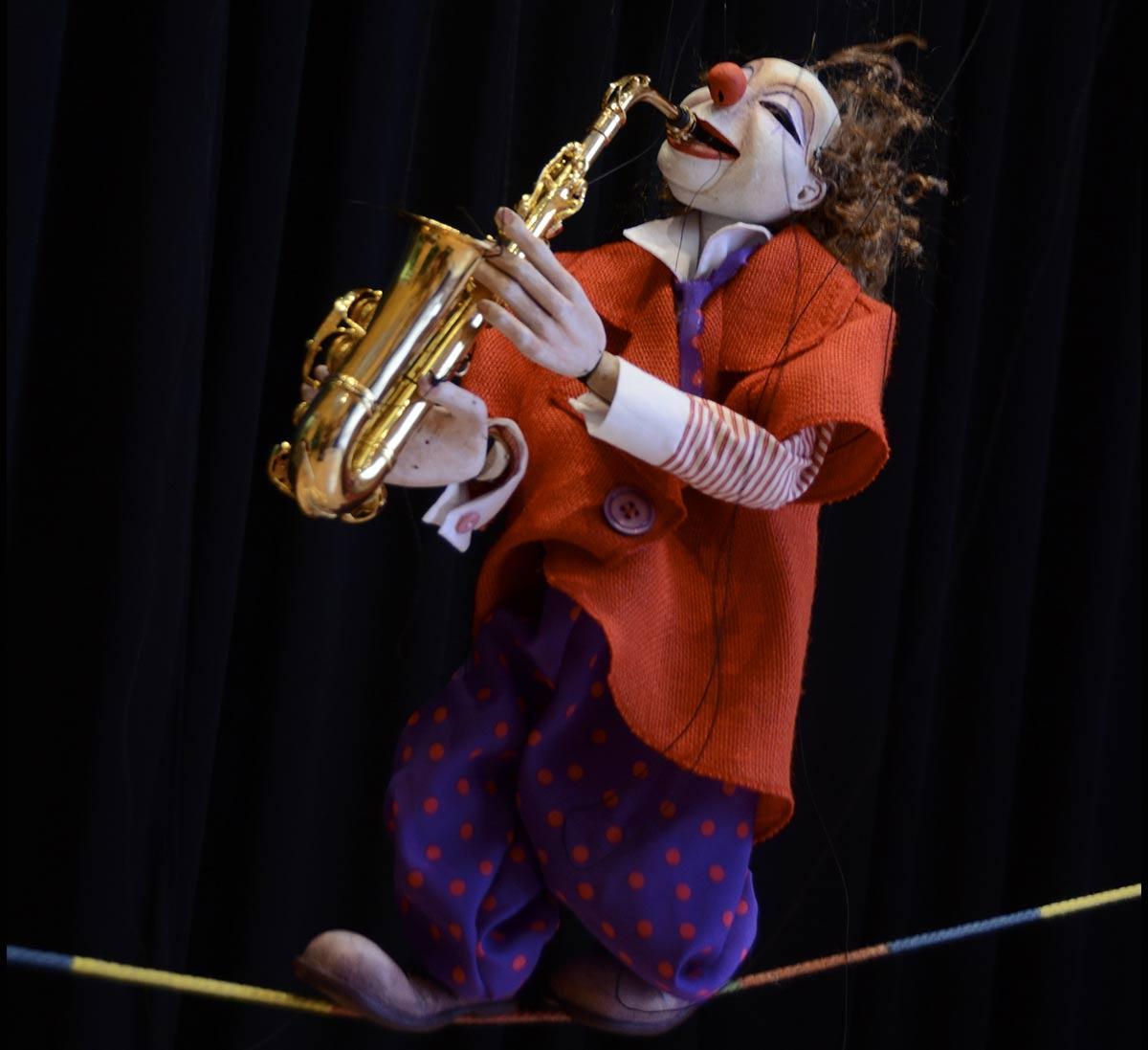 cartell-circus